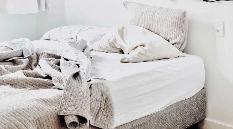 Come-e-con-quale-frequenza-lavare-la-biancheria-da-letto