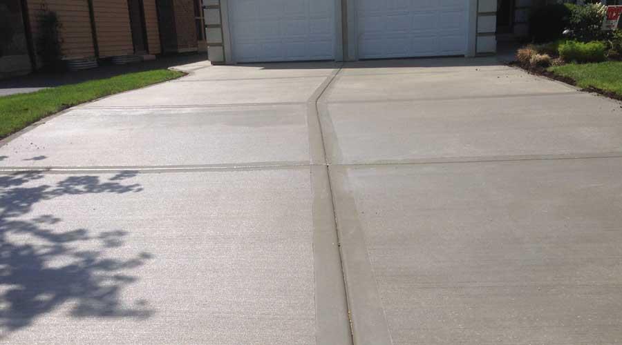 Come-rimuovere-le-macchie-d'olio-da-un-vialetto-d'asfalto